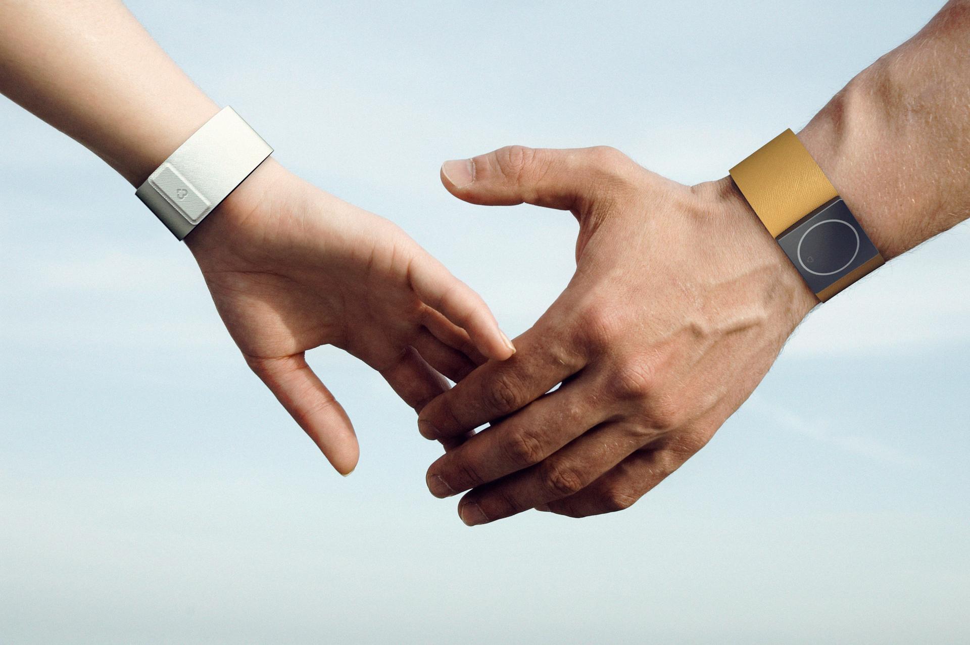 Embrace: умный браслет, который сохранит жизнь