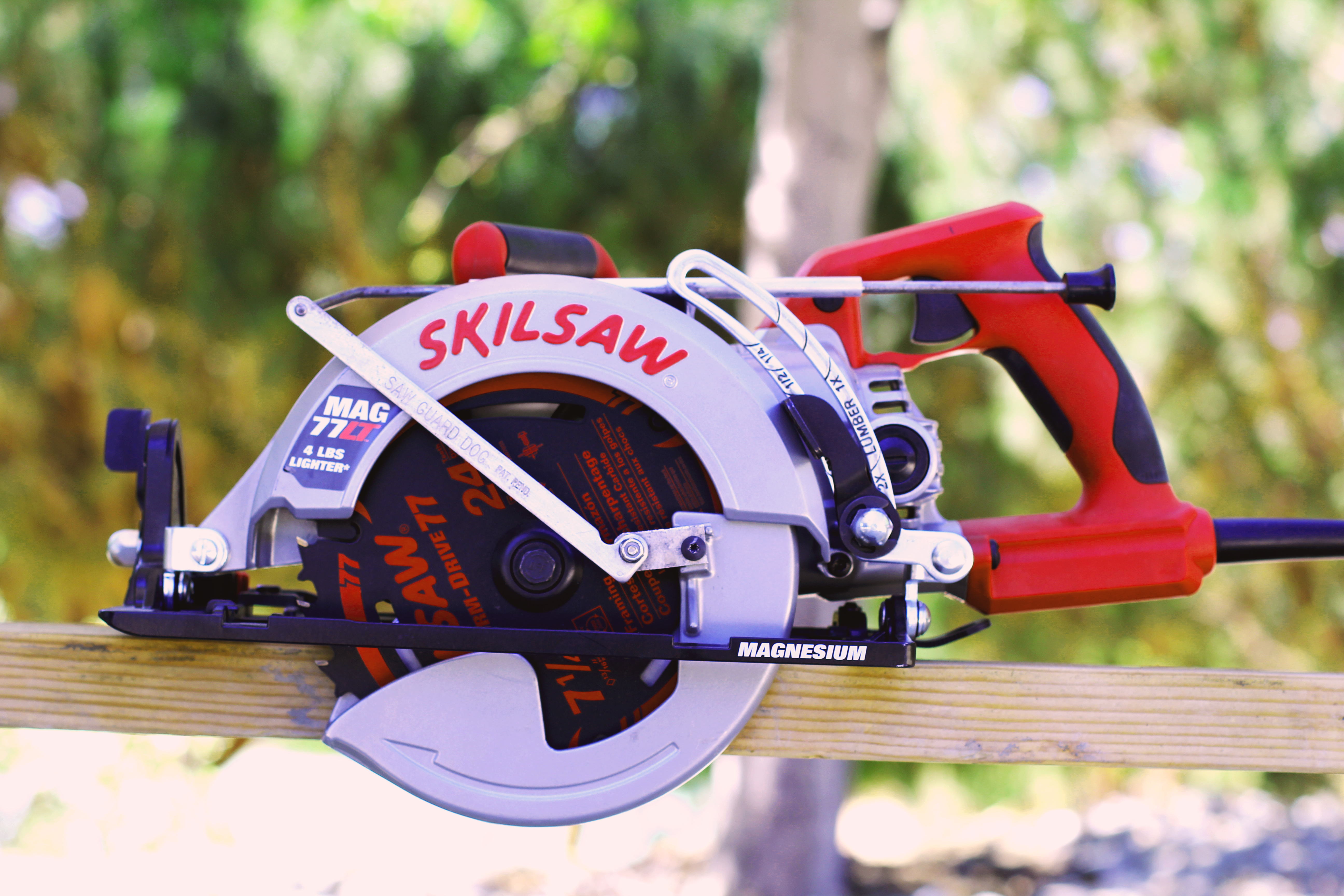 The saw guard dog makes power saws safer to use indiegogo a skilsaw as you can see its small stylish and is easy to operate it looks natural and only requires a brief easy installation described later greentooth Images
