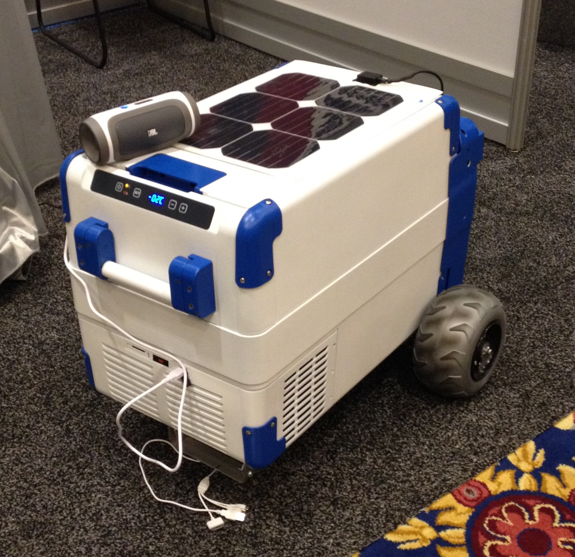 Solarcooler The Worlds First Solar Powered Refrigerating
