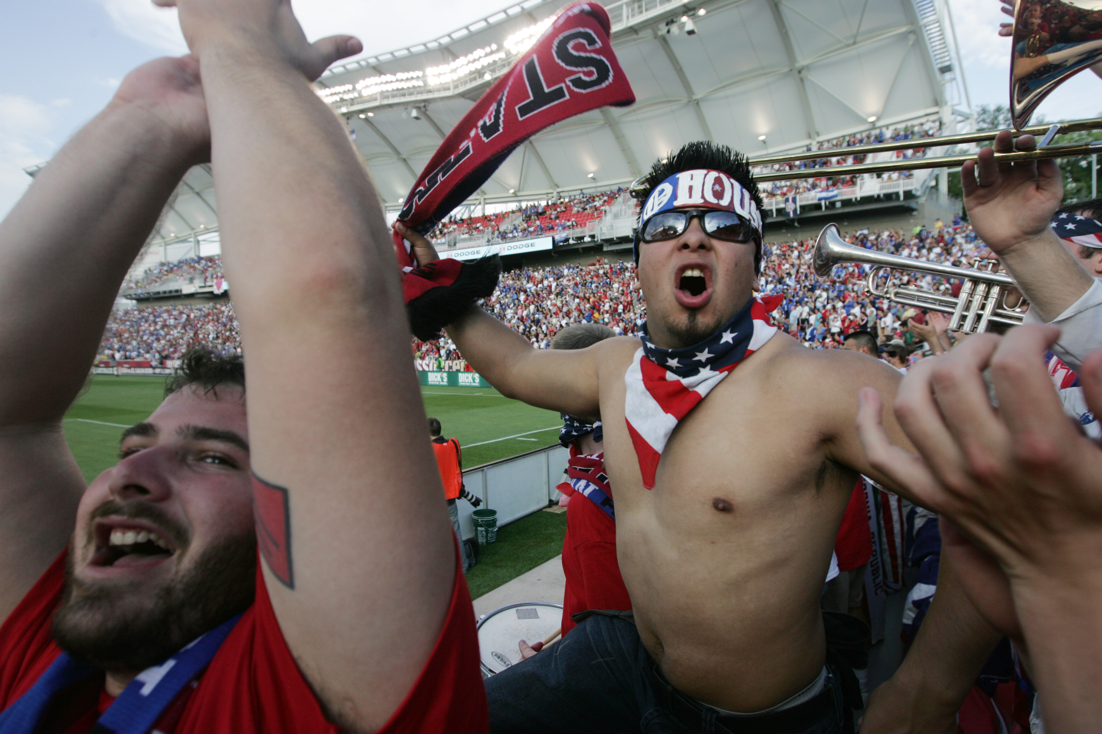 san francisco photojournalist douglas zimmerman  world cup usa a photo essay on the melting pot of soccer fans in america