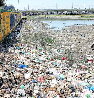 Pictures of Water Pollution in India - EW System
