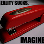 20121210103322-stapler-swingline-red