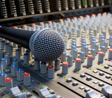 20140306094411-microphone_and_audio_board